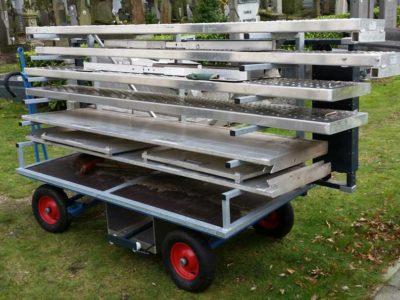 Materiaalwagen Beladen Grafbekisting Transport Begraafplaats